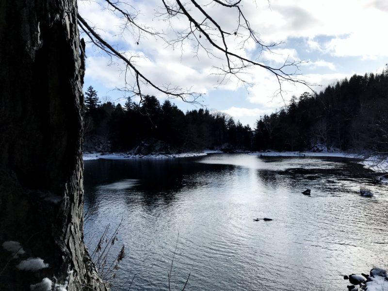 神秘の秘湖トレッキング (冬季)